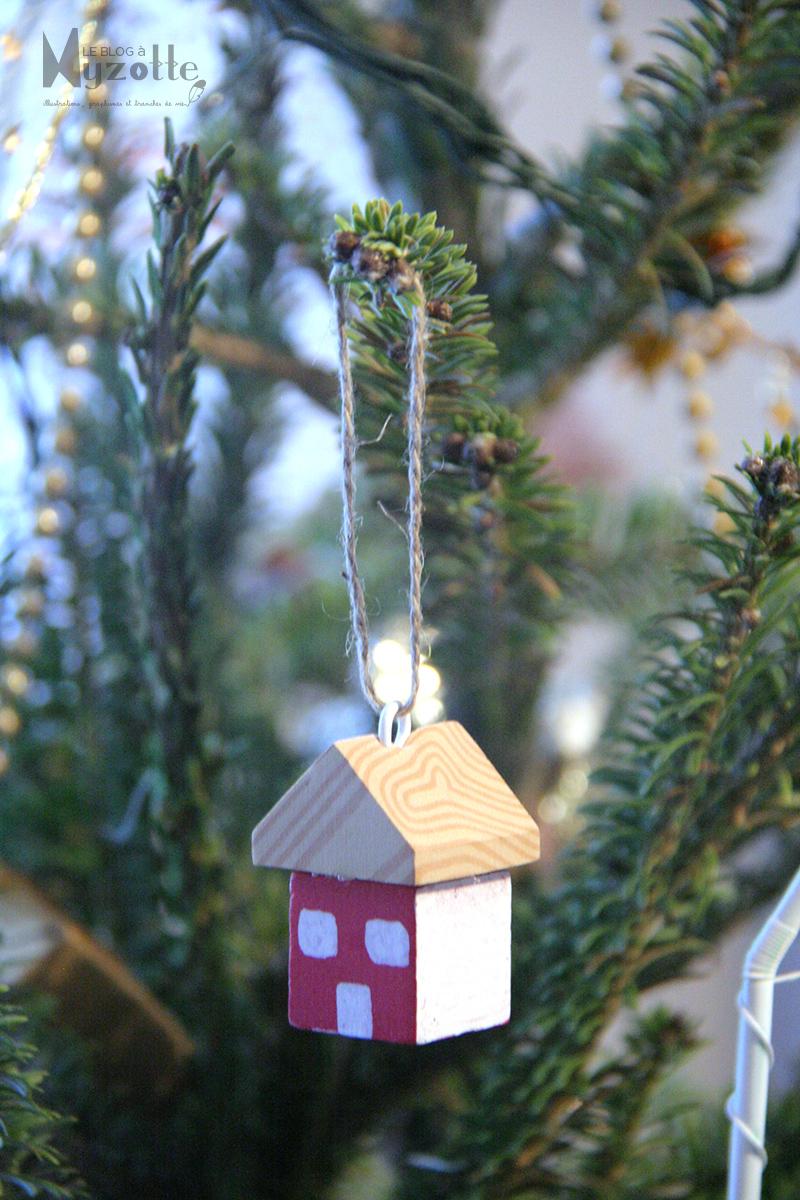20 la petite maison dans le sapin le blog myzotte - Odeur de sapin dans la maison ...